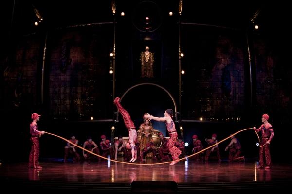Cirque Skipping