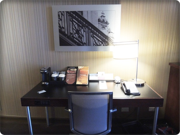 Hyatt Chicago Desk