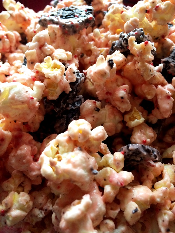 Candy Cane Cookie Popcorn - Delicious!