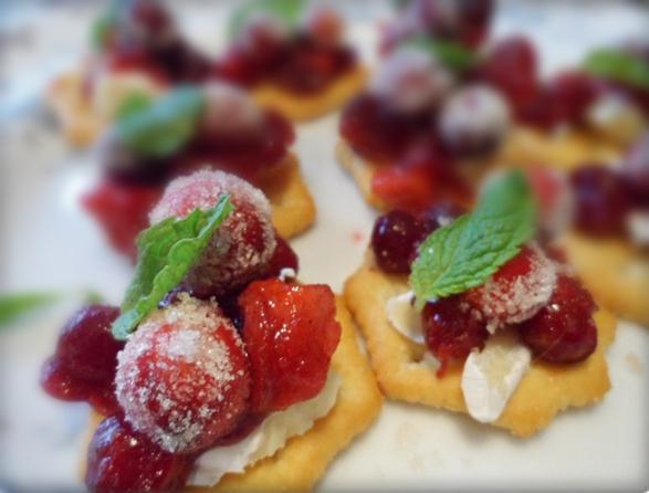 Sparkling Cranberry Brie Bites Blur