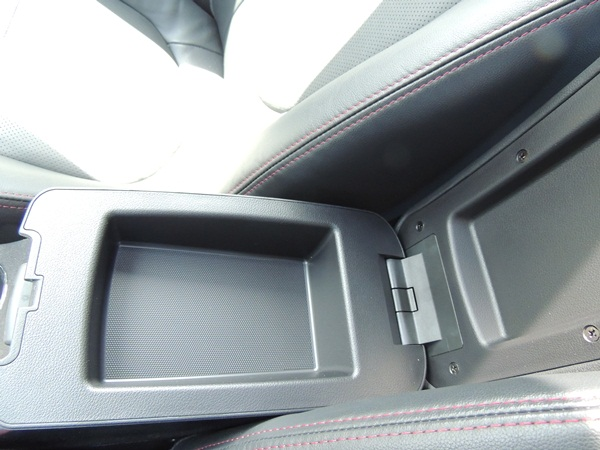 Kia Forte Center Console Open