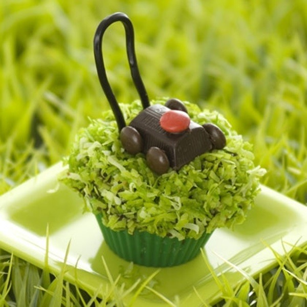Father's Day Cupcakes - Cute Lawn Mower