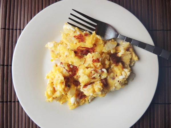 Scrambled Eggs With Baon