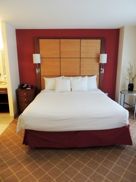 Residence Inn River North Bed