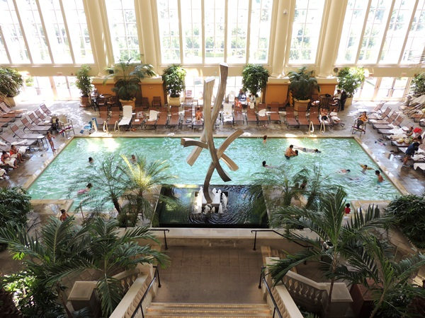 Indoor hotel pools the indoor pools at the turquoise place for Borgata outdoor pool