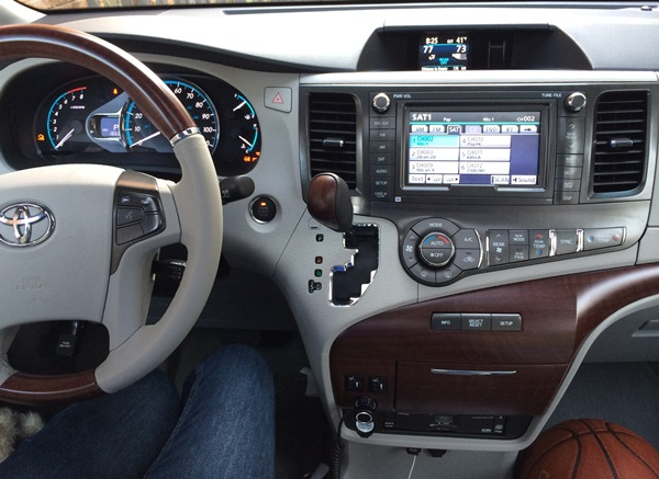 Toyota Sienna Entertainment Features