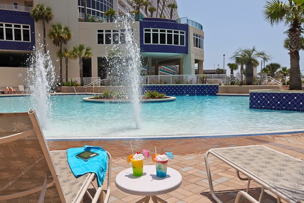 Laketown Wharf Resort Pool