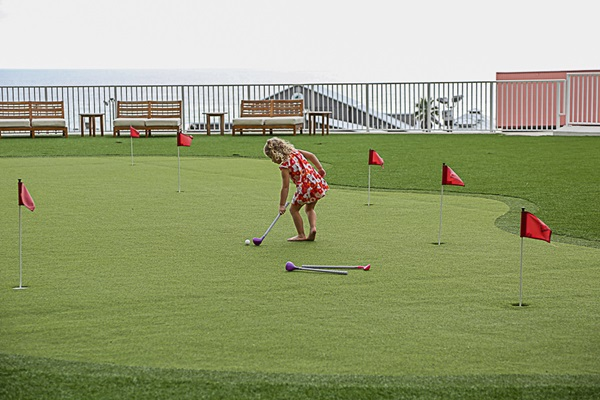 Laketown Wharf Resort Putting Green