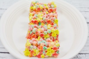 Easy Spring Trix Treats Featured