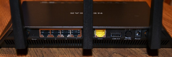 Netgear Nighthawk - Rear View Connections