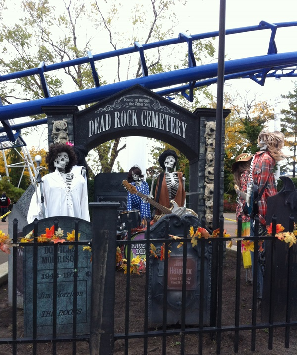 Halloweekends Dead Rock Cemetary