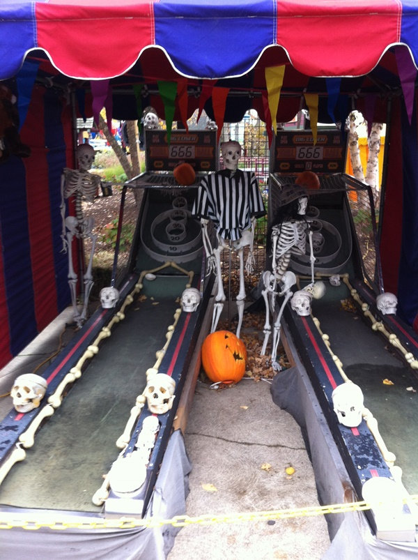 Halloweekends Skeleton Skeeball