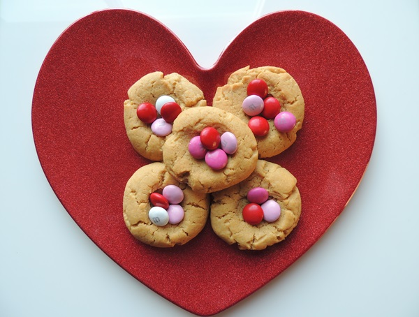 Valentine's Day Peanut Butter Cookies With M&Ms