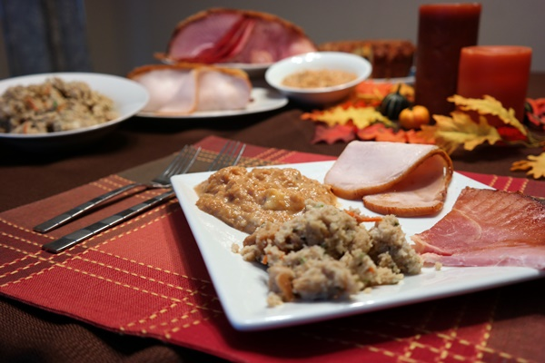 Make Thanksgiving a HoneyBaked Holiday