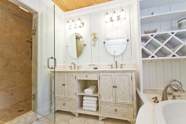 Happy House Bathroom Tybee Island
