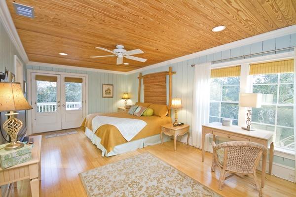 Happy House Master Bedroom Tybee Island