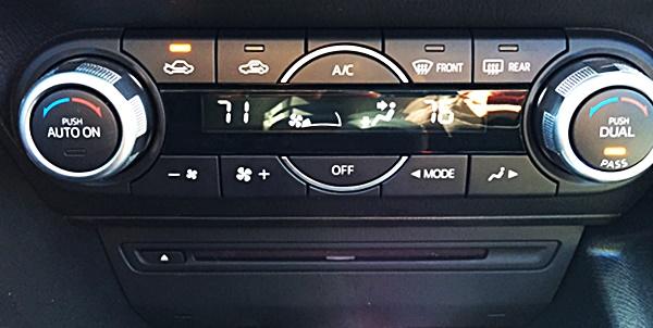 Mazda3 Dual Climate Control
