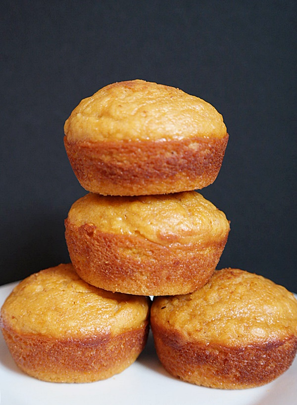 Pumpkin Pie Cream Cheese Muffins