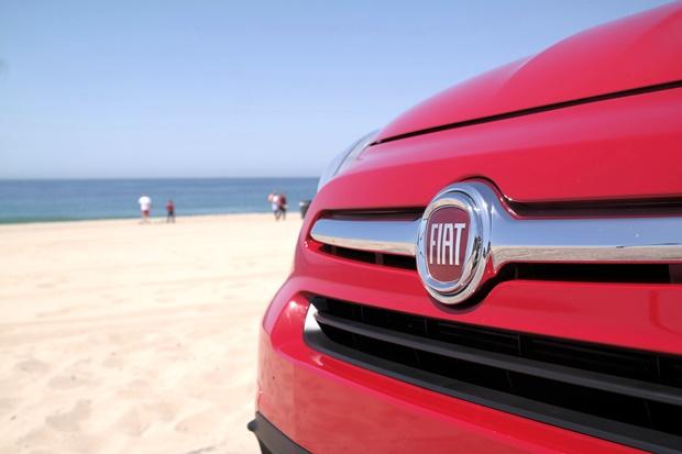 Fiat 500X loves the beach