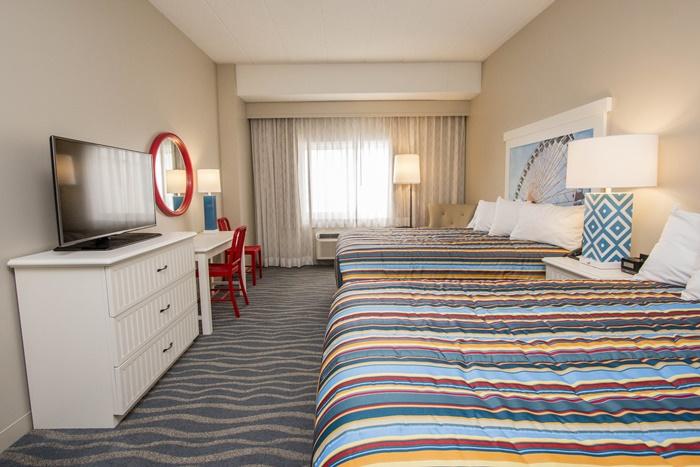 Hotel Breakers Room Bedroom 2