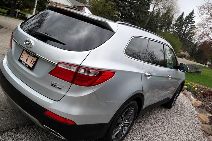 Hyundai Santa Fe Back