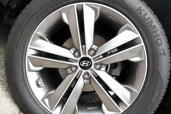 Hyundai Santa Fe Tire