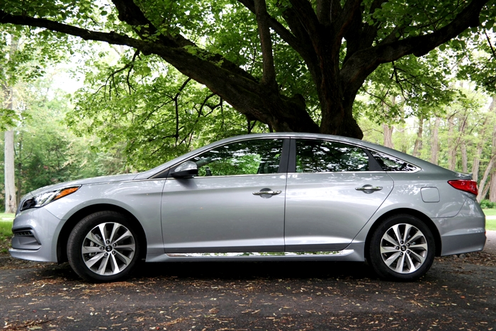 Hyundai Sonata Sport Side
