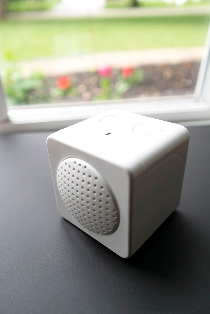 Kidde RemoteLync Monitors and texts emails or calls you if yoursmoke or CO2 alarms go off