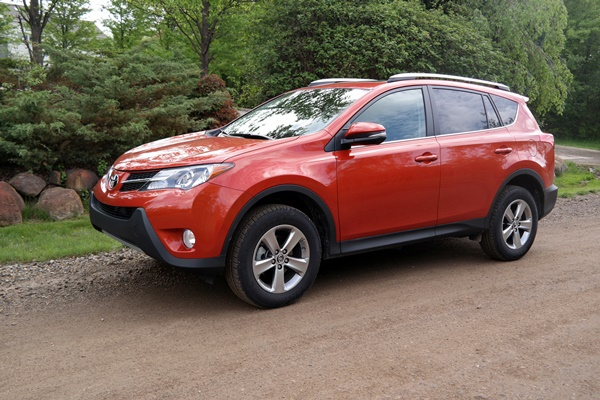 The Fun & Practical Crossover – The RAV4