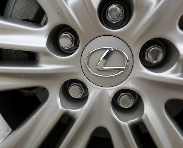Lexus ES 350 Wheel