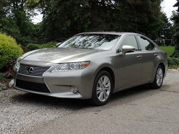 Ride In Luxury: Lexus ES 350 Review