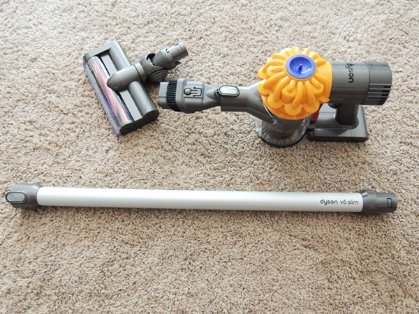 Dyson V6 Slim Review: A Lightweight, Convenient, Cordless Vacuum