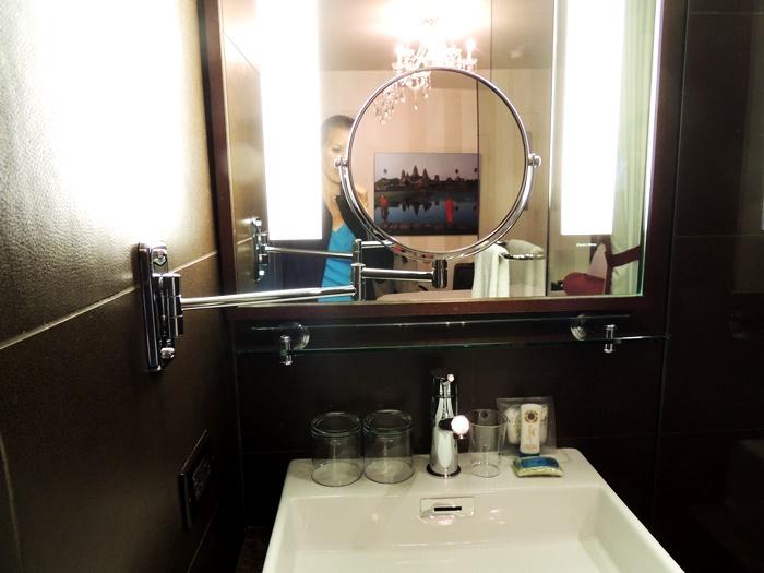 Sanctuary Hotel NYC Bathroom