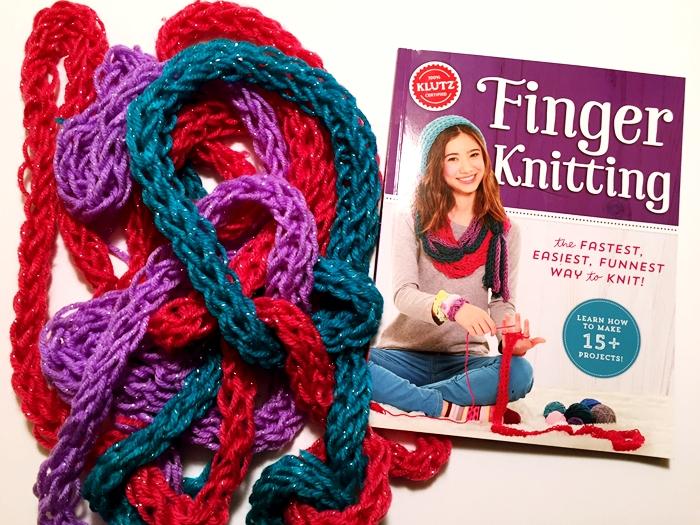 Klutz Finger Knitting