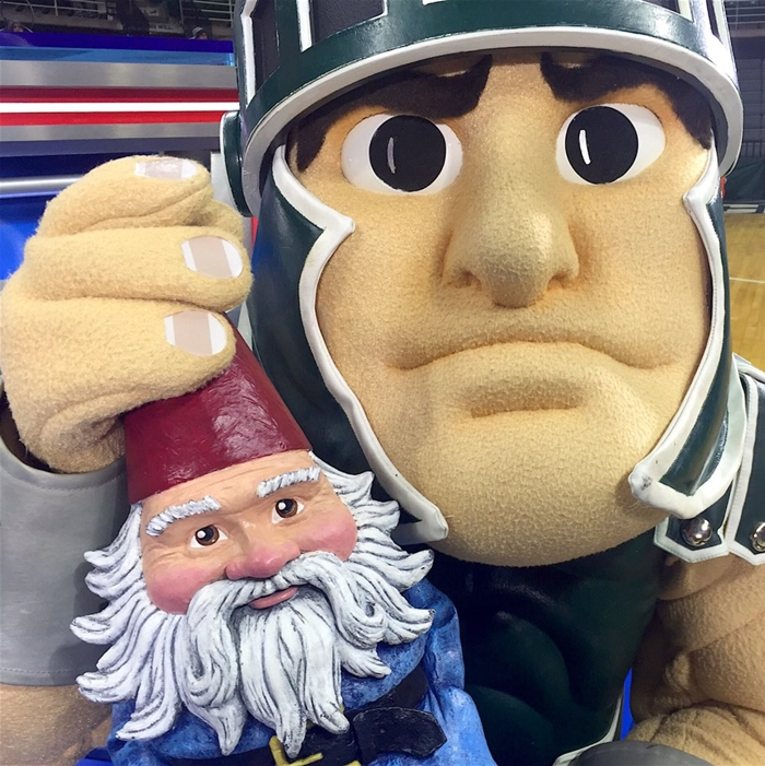 Roaming Gnome & Sparty