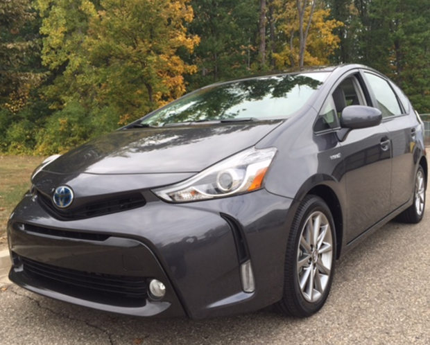 Save Money & Go Farther – 2016 Toyota Prius Review