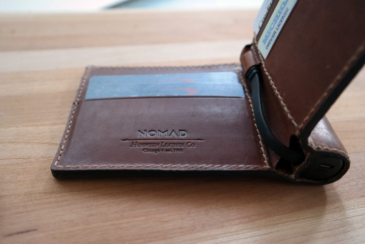 Nomad gifts for guys, Wallet with Battery