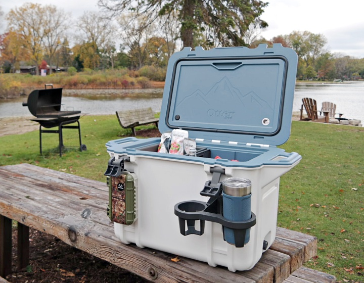 premium selection 2d72f ce183 The Venture Cooler By Otterbox is the Best Cooler For Tailgating
