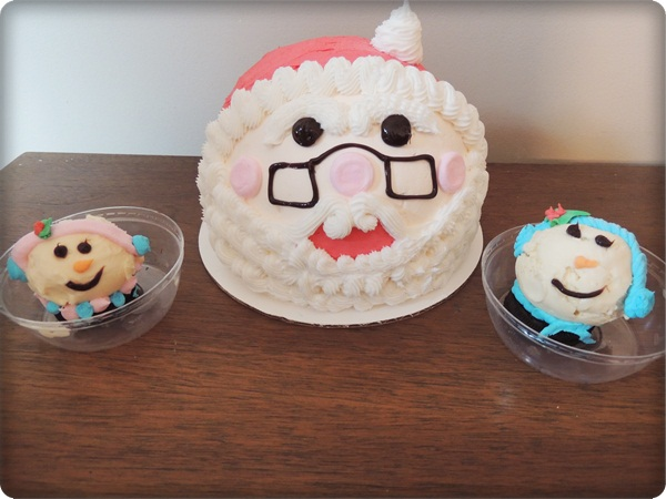 Celebrating With Baskin-Robbins New Holiday Ice Cream Cakes