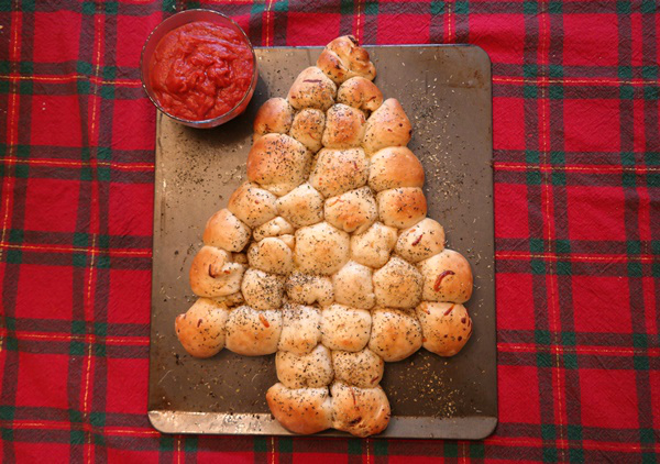 Christmas Tree Pepperoni Pull Apart Bread
