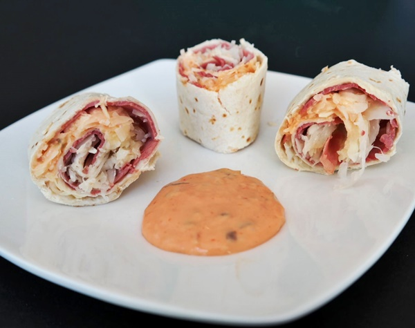 Reuben Wraps With Corned Beef, Swiss Cheese, & Thousand Island