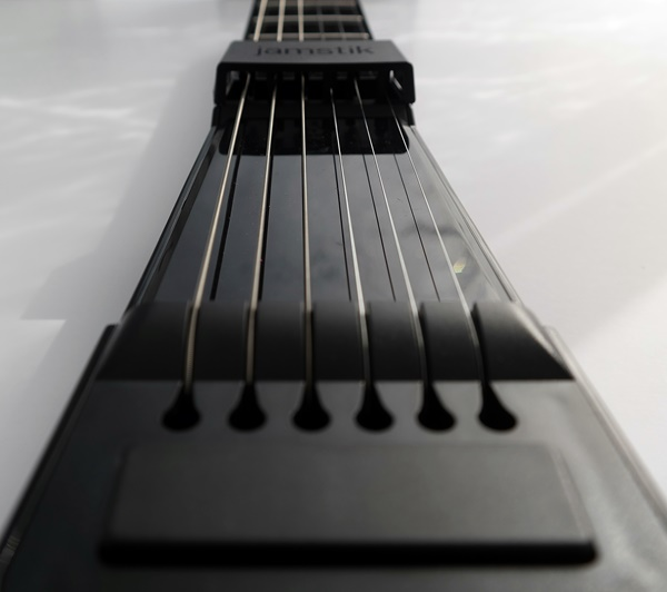 Learn To Play The Guitar With Jamstik