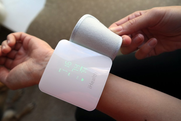 6 Reasons Why You Need A Wireless Blood Pressure Monitor