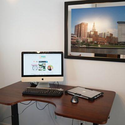 Sit or Stand? Autonomous SmartDesk Offers Both!
