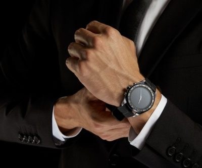 Best Smartwatch – The W7 Offers a Blend of Style and Technology